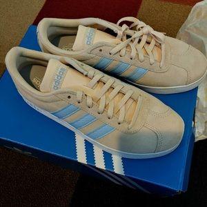 Adidas Shoe 💙
